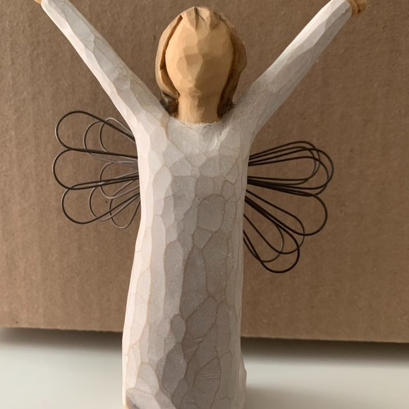 ❤️Willow Tree Angel of Courage
